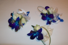 dendrobium spray roses le bouquet blanc