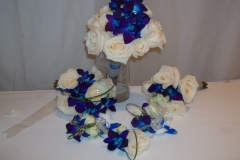 white and blue le bouquet blanc