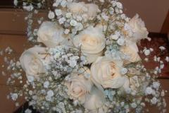 cream-roses-baby-breath