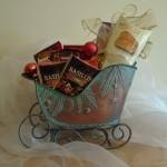 Green-metal-sleigh-gift-basket-150x150