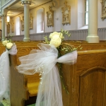 church-pew-roses-Le-Bouquet-Blanc-e1470936186874