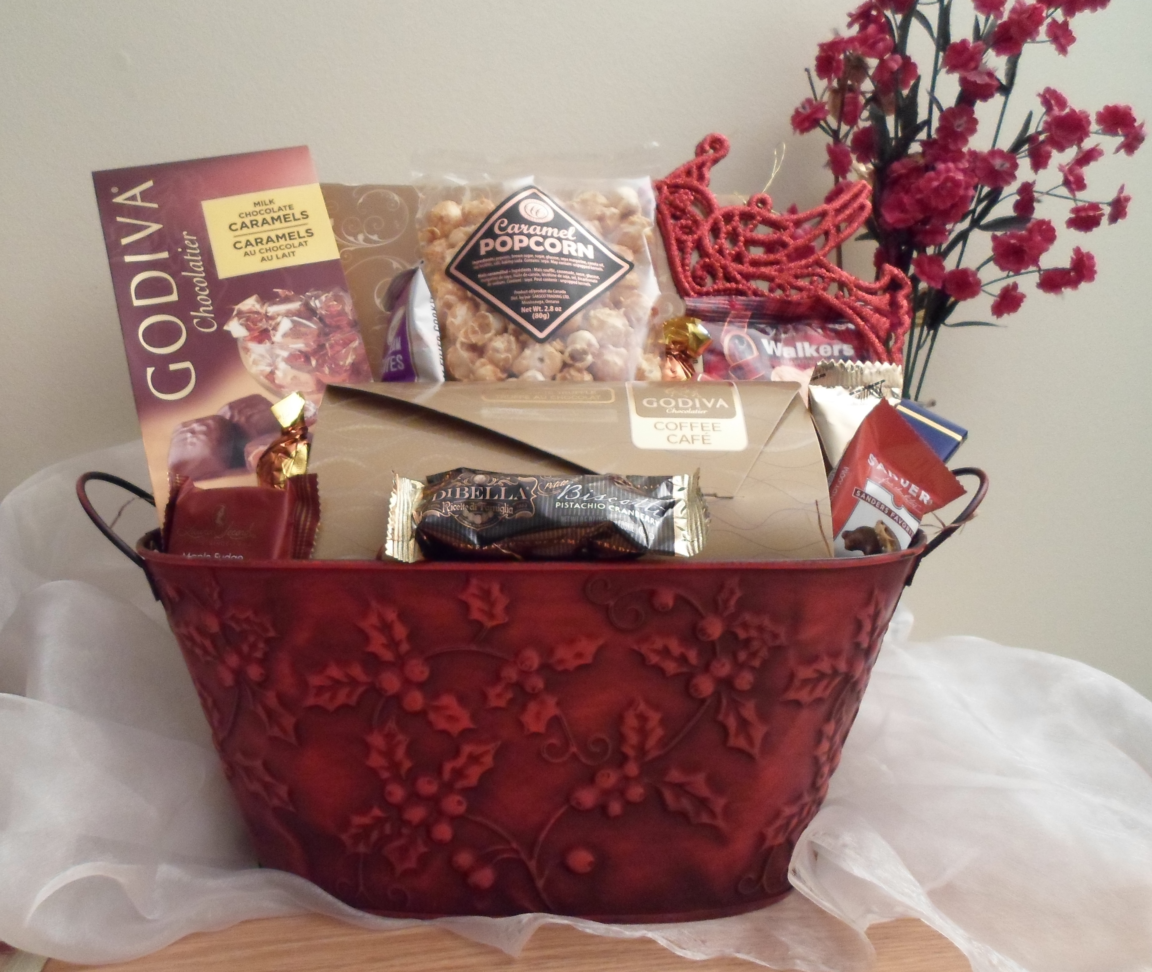 Red poinsetta holiday gift basket lebouquet blanc red poinsetta holiday gift basket negle Image collections