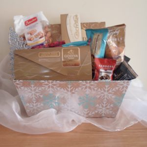 silver-foil-snowflakes-gift-basket